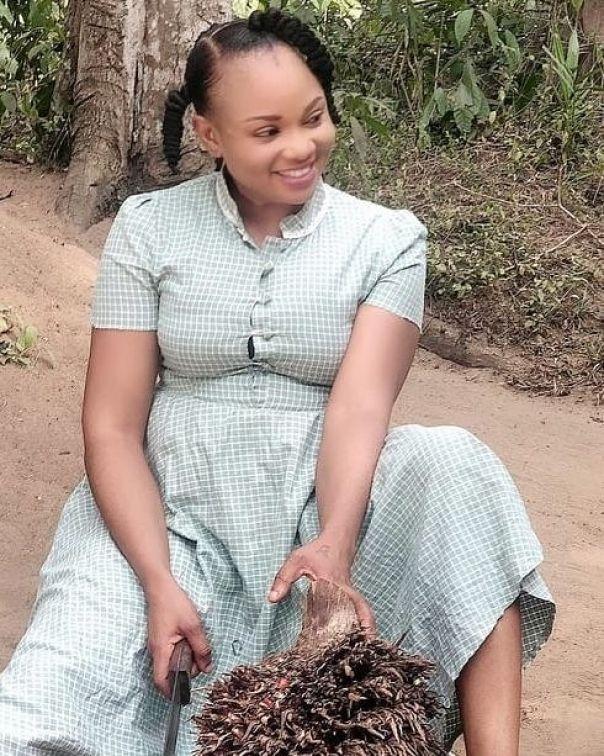 Ibiwari Etuk Selling Palm Fruit MUTANDA Nollywood Movie (3)