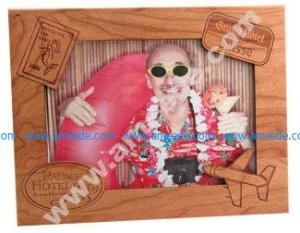 Laser Engraving a Wood Vacation Photo Frame