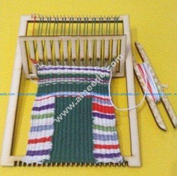 Simple frame loom