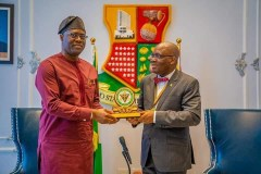 GOVERNOR MAKINDE DRAGS CIBN TO OYO STATE WITH LAND ALLOCATION TO BUILD IT' SECRETARIAT