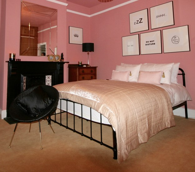 Black metal Victorian dormitory style bed from UK Bed Store