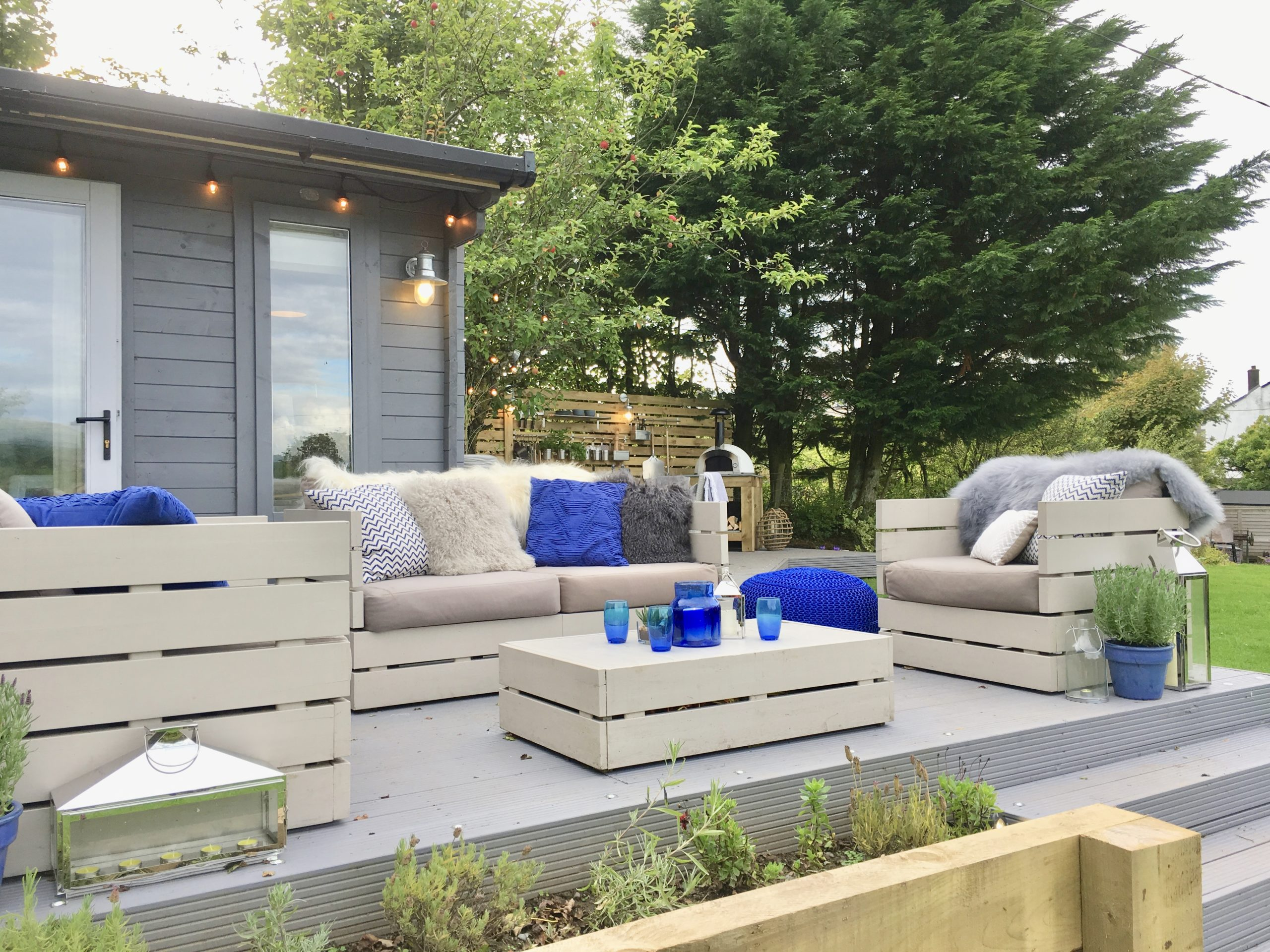 Lounge are in outdoor kitchen living dining space