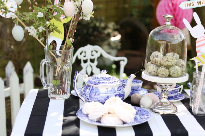 meringues on an Italian blue and white spode plate