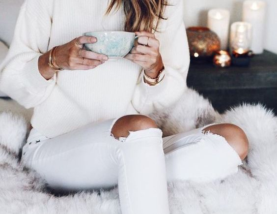 white winter fashion white cosy jumper and white jeans