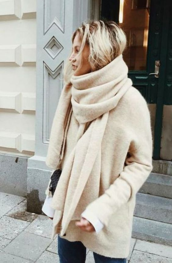 cream cashmere scarf and jumper combo