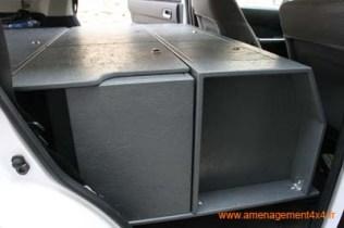 caisson avant avec réservoir d'eau (80 litres) intégré et rangements