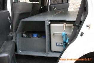 caisson avant avec réservoir d'eau (80litres) intégré et rangements