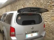 vue de la porte arrière : en position arrêt avec aération par le haut.