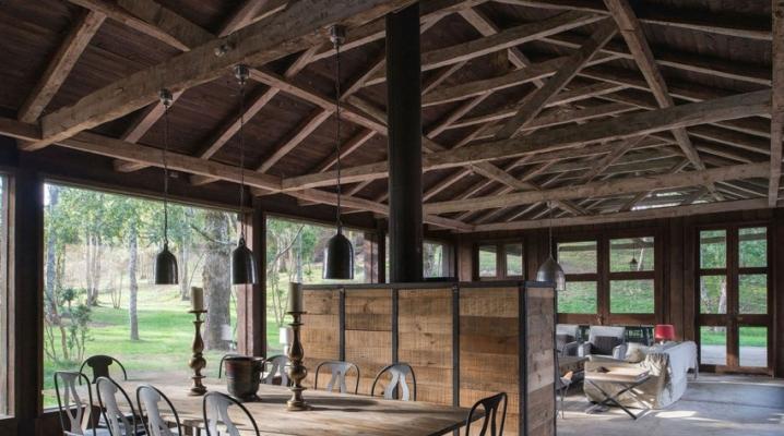maison avec un style rustique