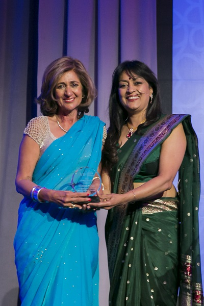 Shahnaz Taplin Chinoy receiving AIF award
