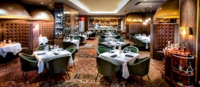 joe vicaris andiamo italian steakhouse dining room