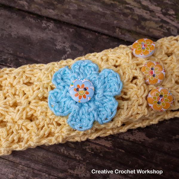 Lemon Spa Shells Headband | Free Crochet Pattern | American Crochet @creativecrochetworkshop #crochet #freecrochetpattern #spacrochetgiftalong