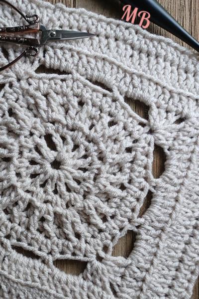 AC-RWS-CAL-Square Four | American Crochet @americancrochet.com