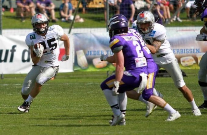 Austria - Raiders-Vikings 2016 action.3