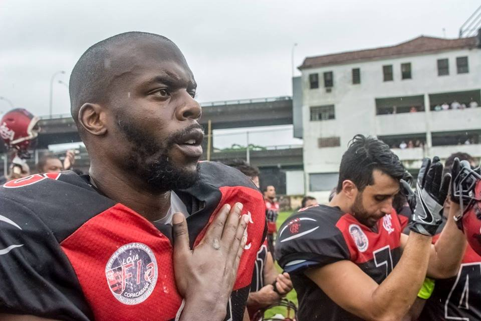 Flamengo quarterback, KC Frost (foreground) has found a new target this season in talented receiver, Patrick Dutton Tavares (background). Photo credit: Jayson Braga