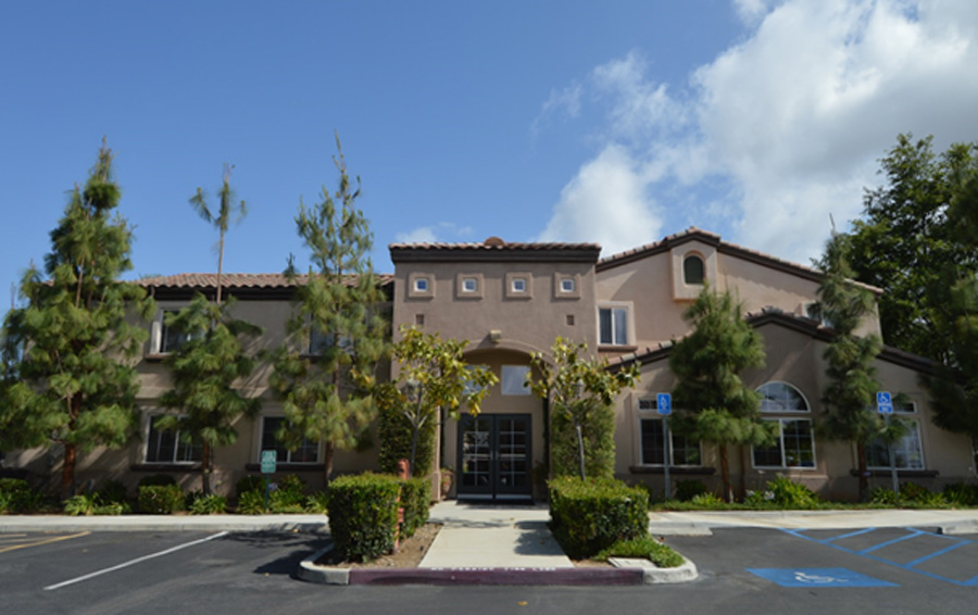 Parkwood Apartments At Yorba Linda 55 American