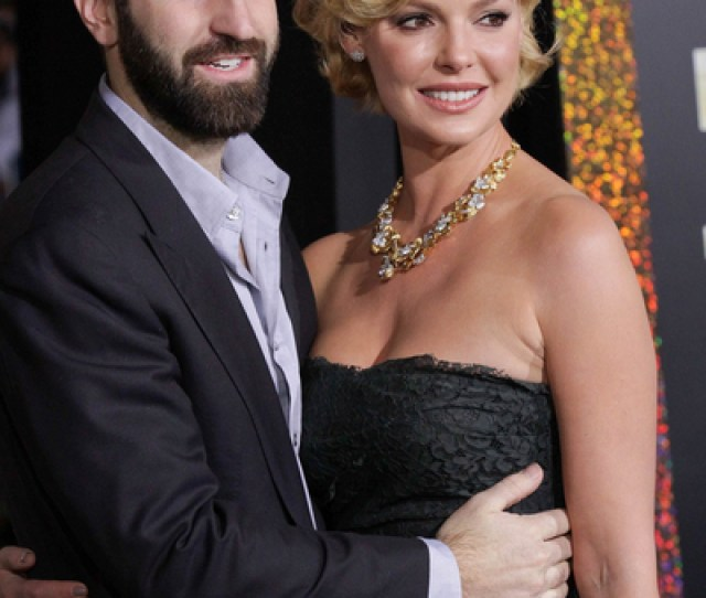 Josh Kelley And Katherine Heigl Pictures Josh Kelley And Katherine Heigl Attend The New Years Eve Movie Premiere Held At Graumans Chinese Theatre On