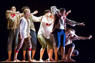 """""""The American Revolution"""" by Theater Unspeakable, at Adventure Stage in Chicago through Nov. 28"""