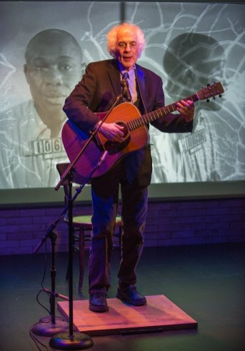 """The Beautiful Music All Around Us,"" written and performed by Stephen Wade in the Stackner Cabaret of Milwaukee Repertory Theatre through Mar. 15. (Photo by Michael Brosilow)"