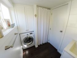 28' San Francisco washer and shower