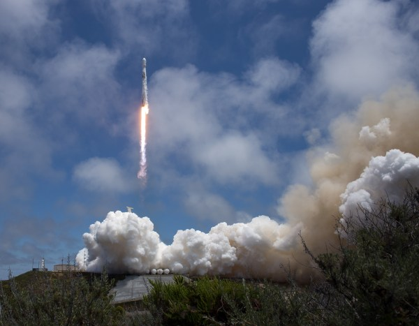 SpaceX Aims for First Falcon Landing at Vandenberg With ...