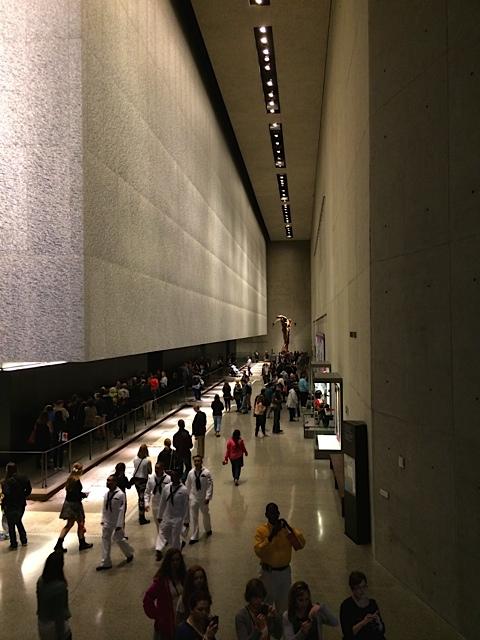 Eine der weitläufigen Hallen