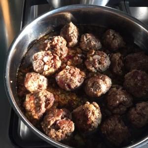 Sticky sesame meatballs
