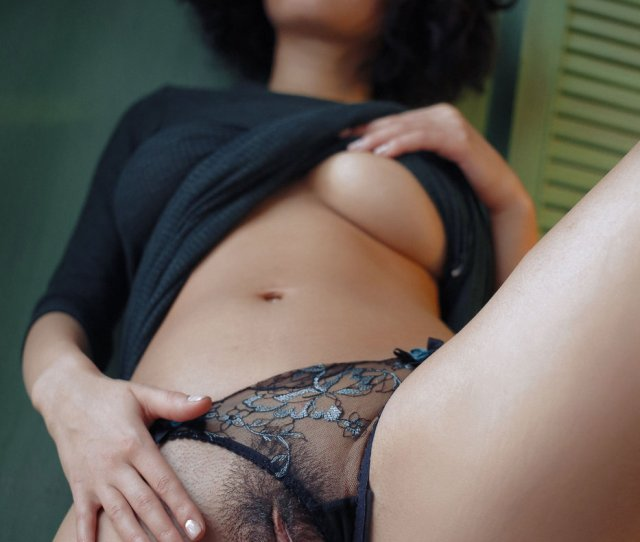 Curly Haired Brunette Shows Her Bushy Pussy Up Close And Personal Ametart Com