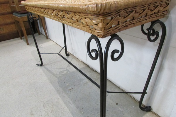 table console fer forge et rotin tresse