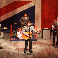 THE CRAZE: Band Sets The Tone With Audience For One Man, Two Guv'nors