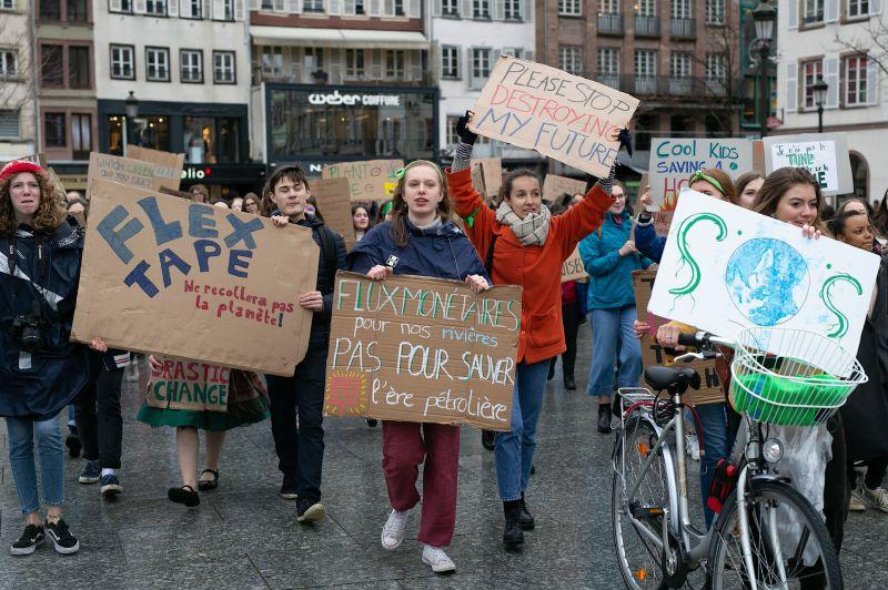 ManifClimat 008 - Protection de l'environnement : les jeunes à la rescousse