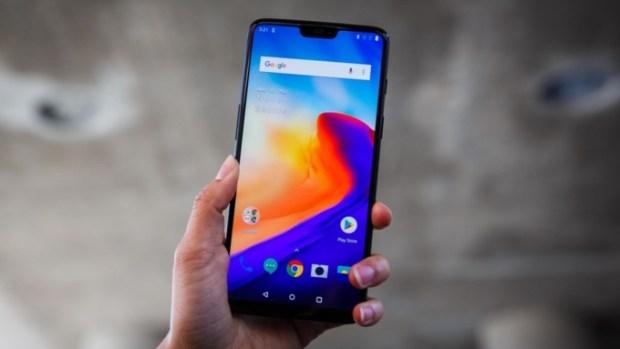 Пятерку лучших смартфонов 2018 года назвал Business Insider