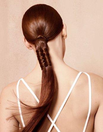Coda di cavallo ai capelli