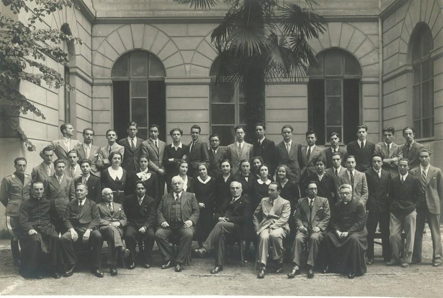 1934  5 f