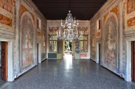 salone centrale di Villa Chiminelli