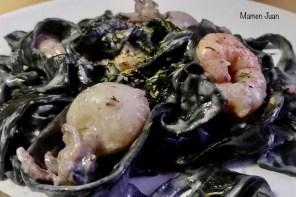 San Valentín: Pasta al nero di sepia con agua de coco