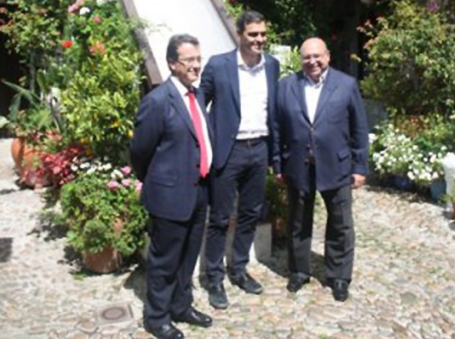 Visita Pedro Sánchez a «Los Patios de Córdoba»