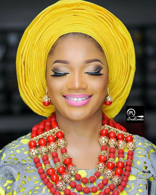 For The Bride-To-Be Here Are Some Vital Makeup Tips For You