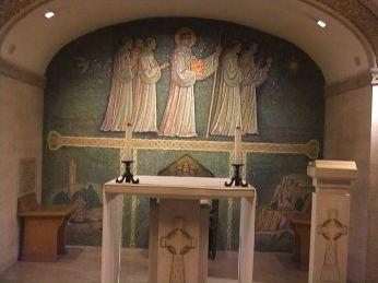 Chapelle Saint-Colomban dans la crypte de Saint-Pierre de Rome