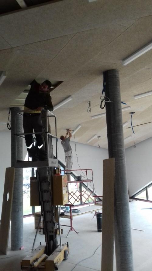 Installazione altoparlanti JBL a soffitto