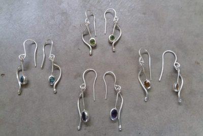 OJ3 - Silver and choice of single stone earrings: Peridot / Amethyst / Zircon