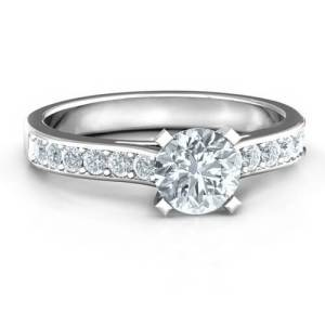Elegant Duchess Ring with Shoulder Accents