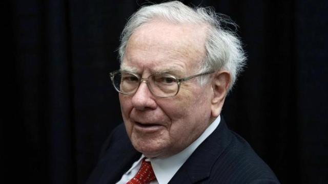 people-us-buffett-lunch_1 كيف تجاوز وارن بافت أزمة 2008 التي خسر فيها 25 مليار دولار؟