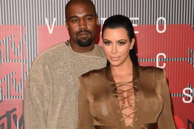 kim-kardashian-kanye-west نجوم موسيقى راب يحلمون بعصر بيتكوين والعملات الرقمية