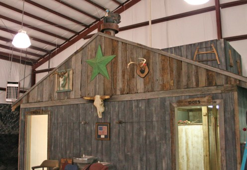 Kendra Peek/kendra.peek@amnews.com Owner Chris Brummett has used items his dad picked up at auctions and estate sales over the years to help decorate the space.