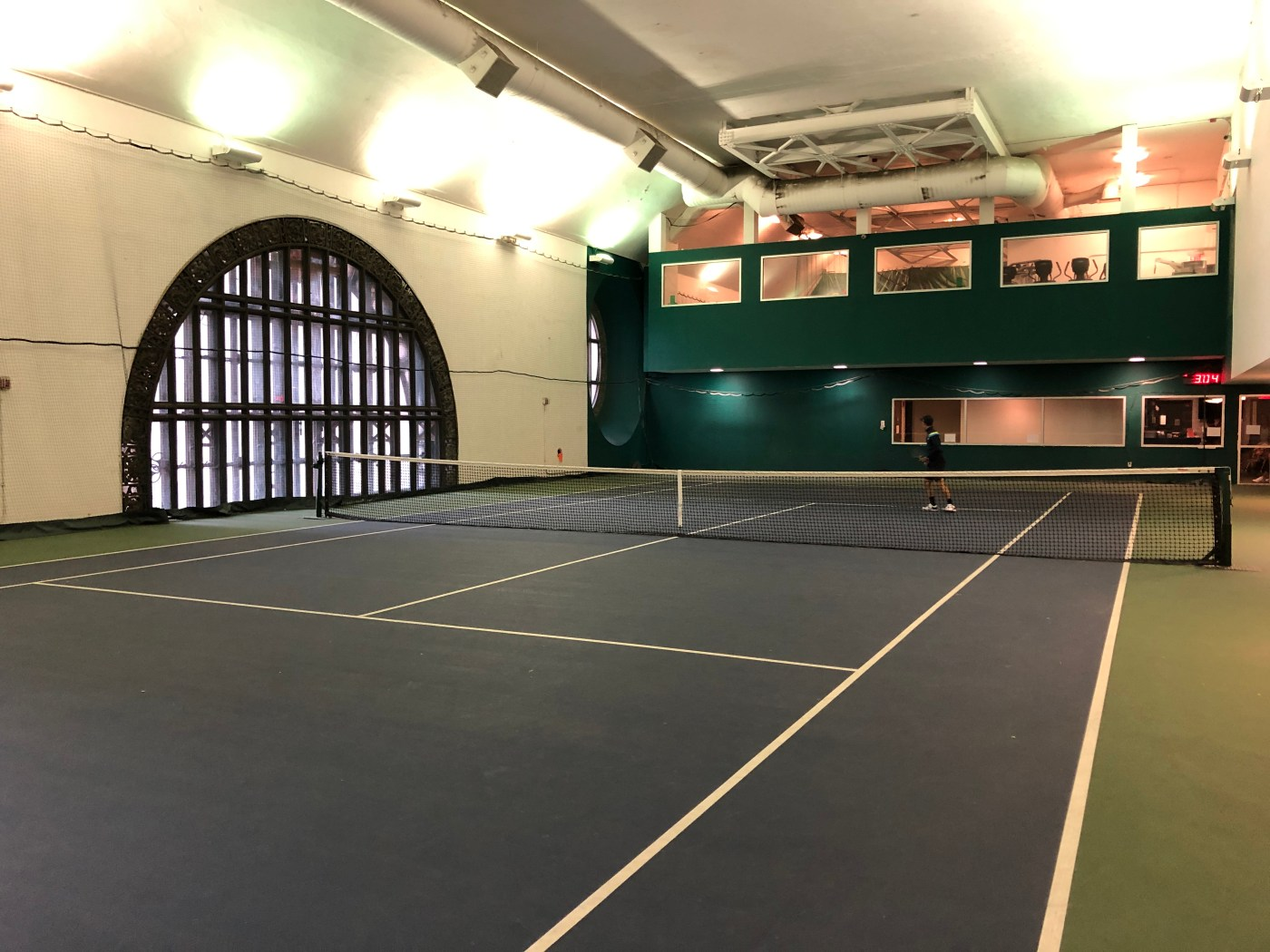 Grand Central Station has a tennis court hiding in its rafters ...