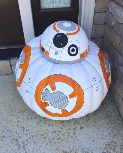 A Star Wars BB-8 Pumpkin for Halloween