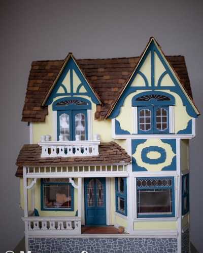 Thrift Store Find: Dollhouse