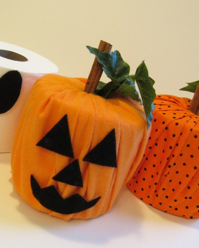Halloween-Inspired Toilet Paper Craft