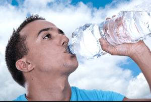 8 Manfaat Minum Air Putih Secara Rutin Untuk Kesehatan Tubuh